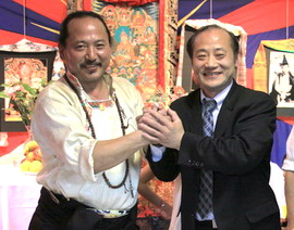Jun Wang attended the birthday reception of Cheden Adetsang--the president of Tibetan Youth Congress